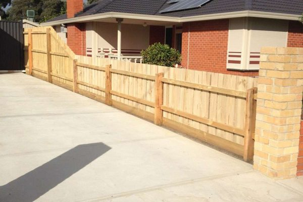 Paling Fence with 3 Low Panels