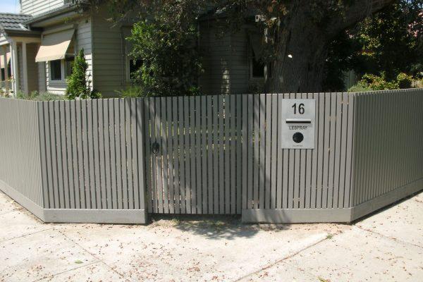 Batten fence using 42/32 Battens with Single gate