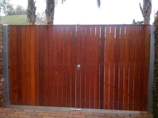 90/19 Merbau decking clad Double Gates