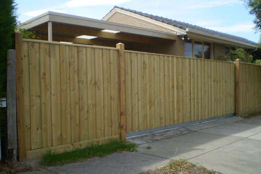 Sliding Gate with Treated Pine paling and Capping