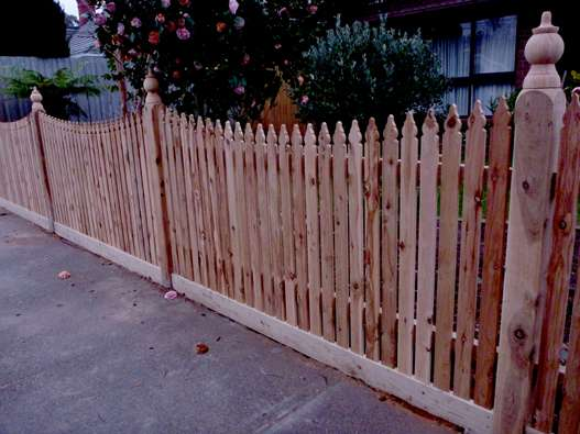 top-class-fencing-picket-fence-12