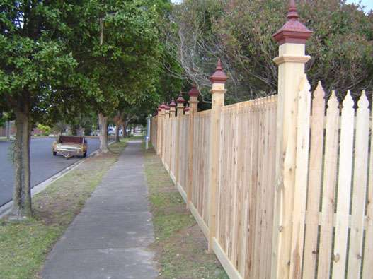 top-class-fencing-picket-fence-14