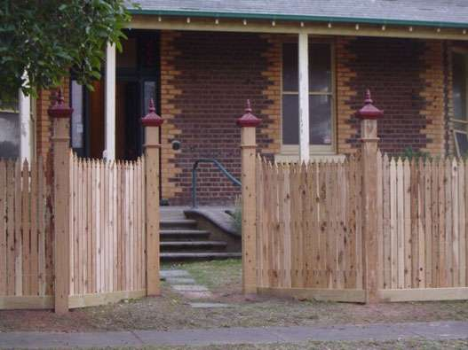 top-class-fencing-picket-fence-15