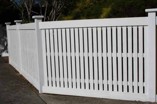Feature Picket Header board fence with post caps