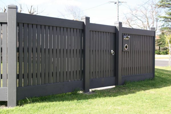 Feature Picket Header board fence with matching Header and Plinth