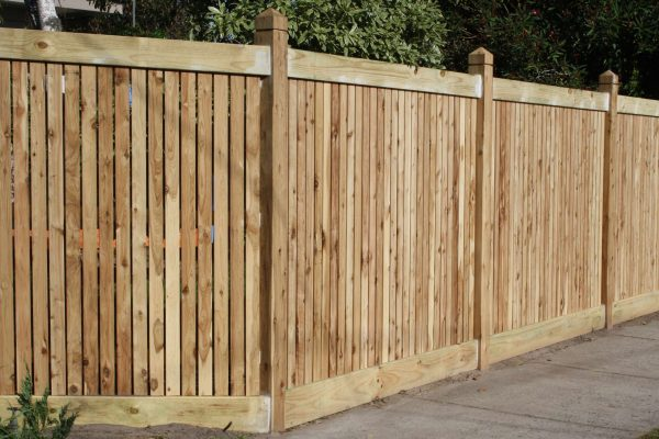 Feature Picket Header board fence